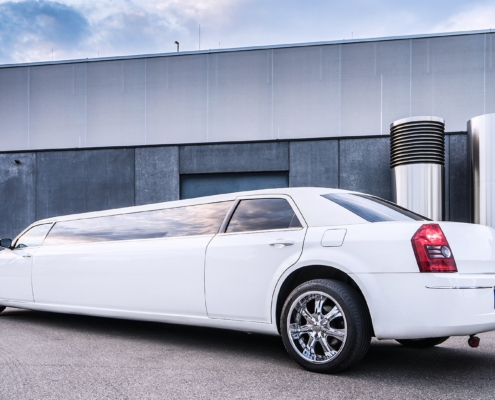 Lux-Limos Chrysler Stretchlimousine mieten