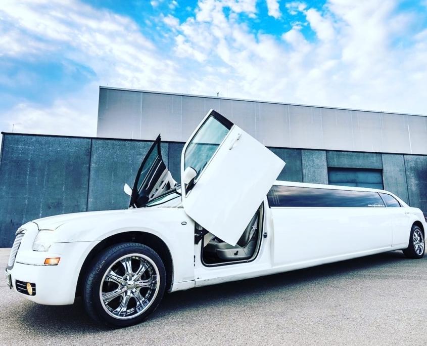 Chrysler Limousine mieten in Renningen